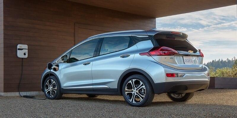 Chevrolet Bolt, elektromobil, který se prodává za zhruba 30 tisíc dolarů. Zdroj: GM