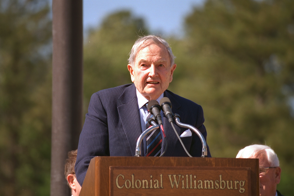 David Rockefeller při projevu v Colonial Williamsburg Foundation v roce 2015, kdy slavil 100. narozeniny. Zdroj: makinghistorynow.com