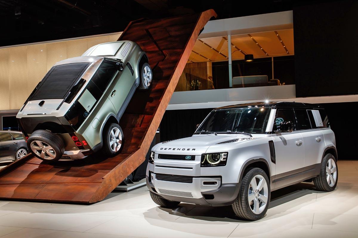 Návrat legendy: Land Rover Defender byl jednou z mála premiér výstavy IAA. Nová generace terénního nezmara se bude vyrábět na Slovensku.