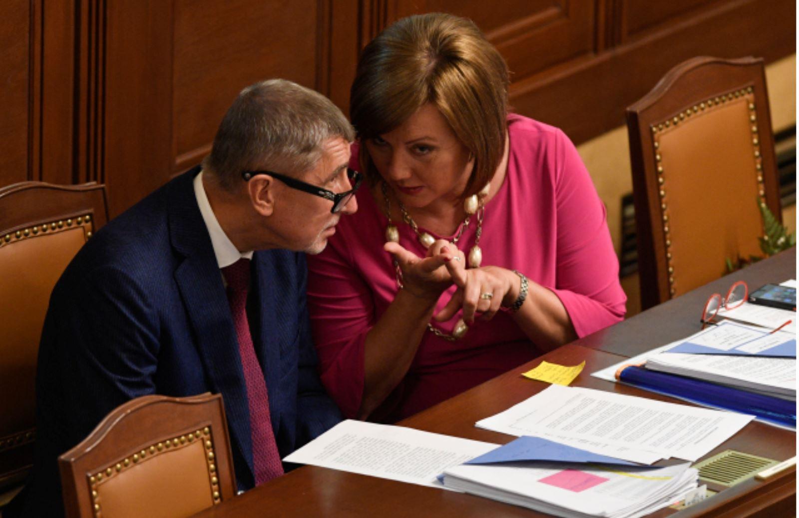 remiér Andrej Babiš (ANO) a ministryně financí Alena Schillerová v Poslanecké Sněmovně (10.9.2019) Zdroj: ČTK