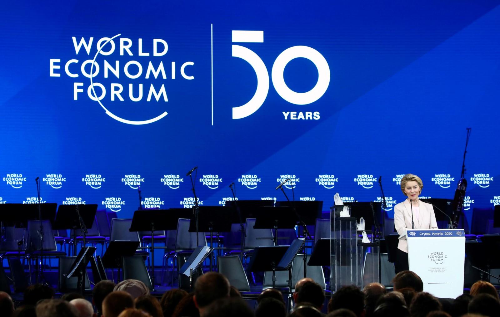 Šéfka Evropské komise Ursula von der Leyenová při projevu na výročním 50. zasedání Světového ekonomického fóra v Davosu. Foto: Reuters