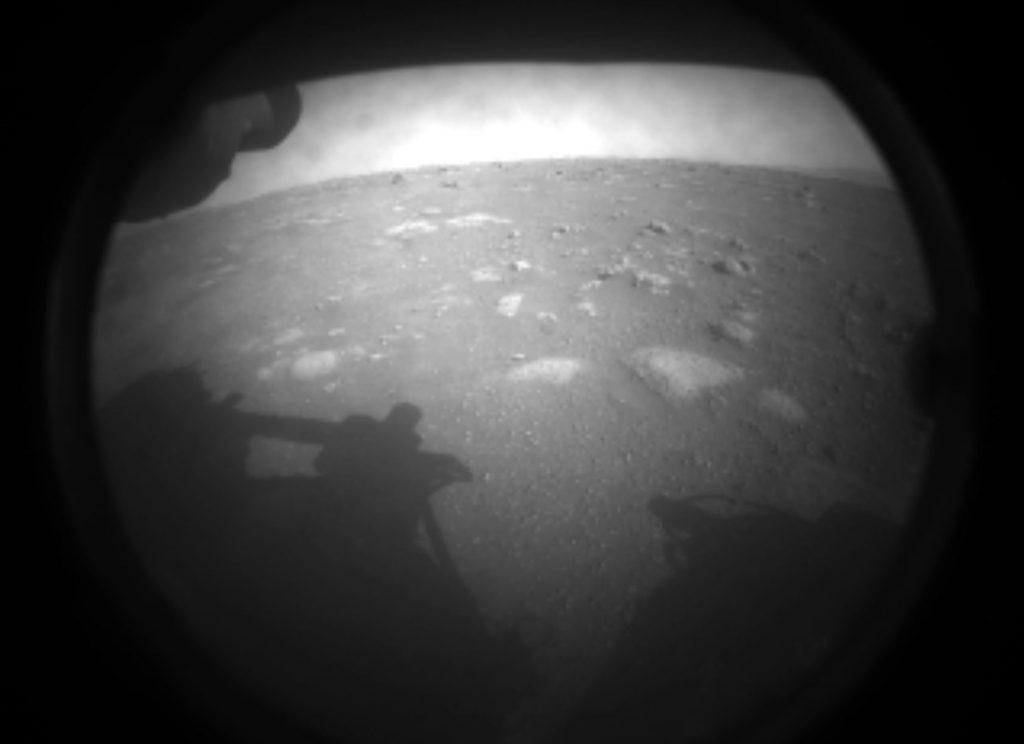 Rover NASA úspěšně přistál na Marsu. Foto: NASA/JPL-Caltech